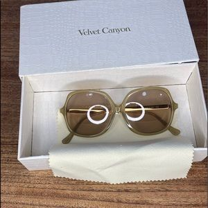 VELVET CANYON Lucky Sevens sunglasses